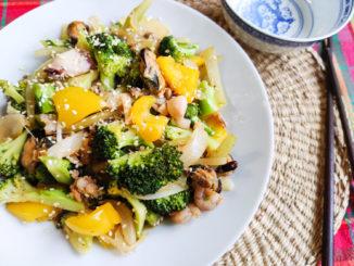 Stir fry mořské plody s brokolicí