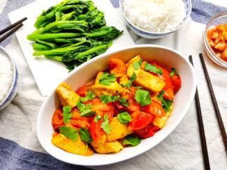 Vietnamské tofu s rajčatovou omáčkou