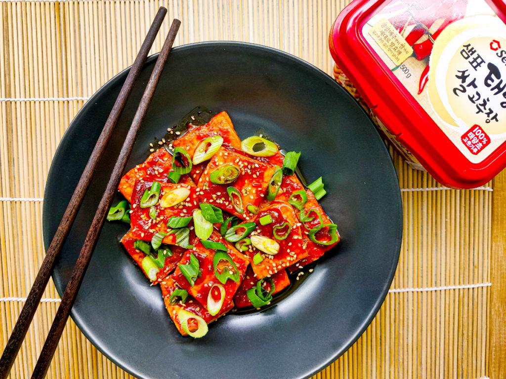 Korejské tofu s pálivou omáčkou